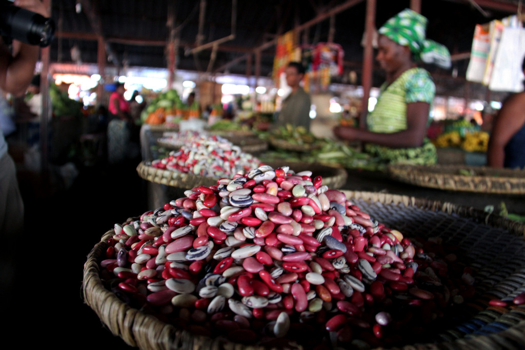 Fresh beans on sale in a Rwandan market. Credit: Stephanie Malyon / CIAT